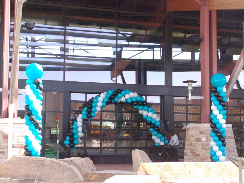 balloon arch and balloon columns in denver